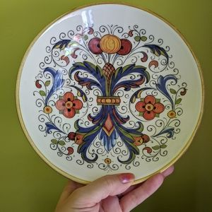 Beautiful Italian pottery pasta dish